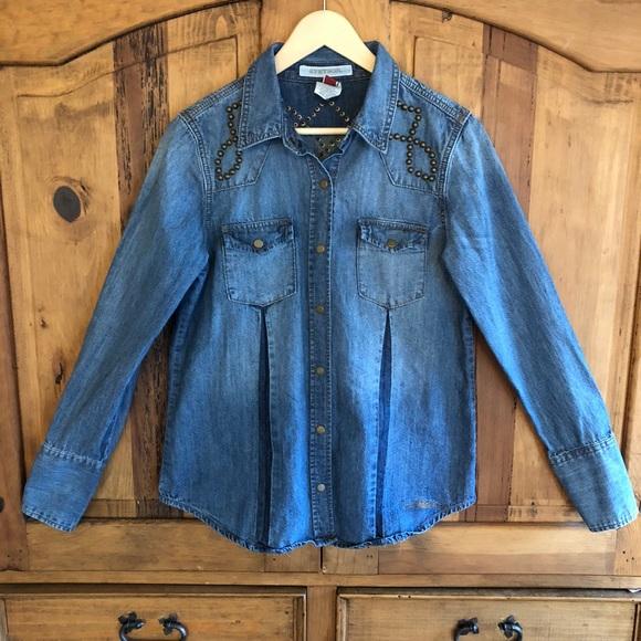 b5f685f2542 Women s Stetson Western Studded Denim Shirt M. M 5bf9e50512cd4a8a0bee7bcc